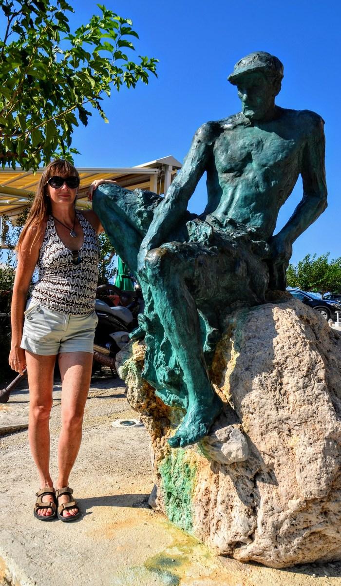 Poziranje ob kipu