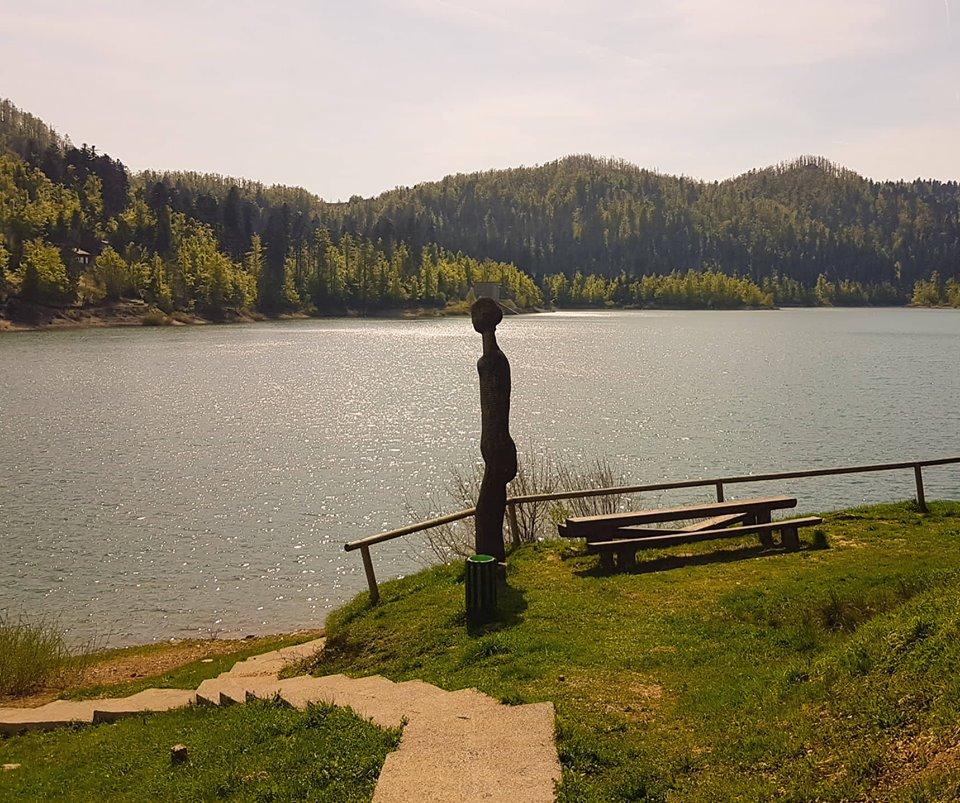 Lokvarsko jezero, kip