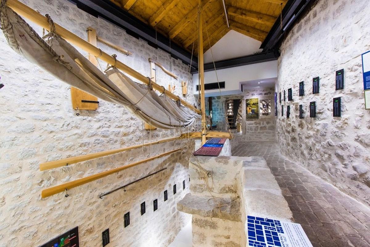 Jadro in vesla v muzeju