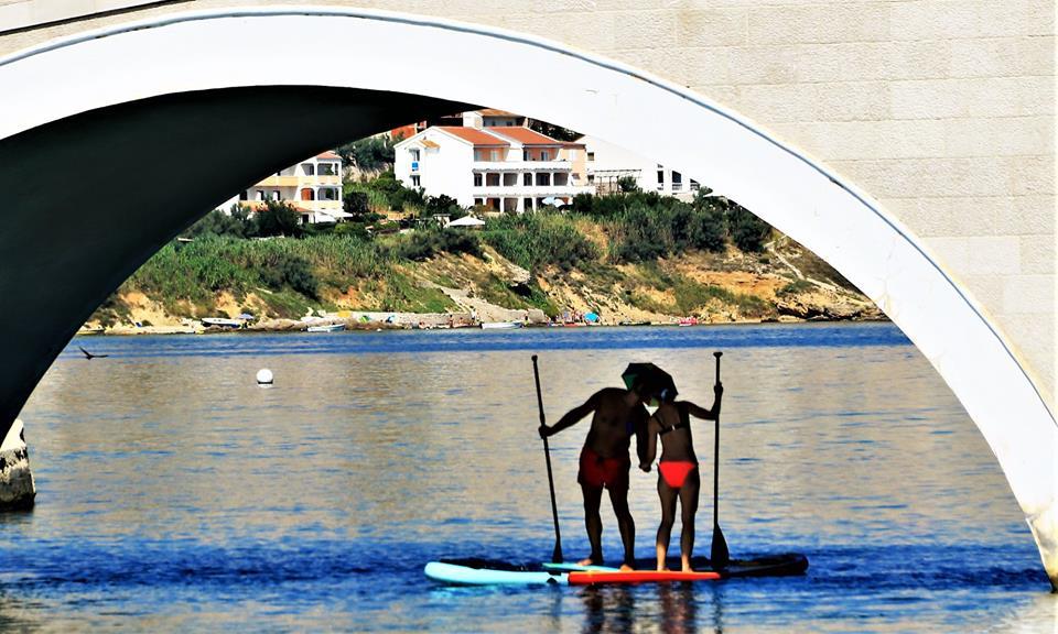 Ljubezen pod mostom in v zraku