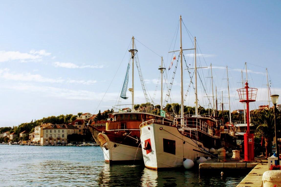 Milna, ladja ob ladji