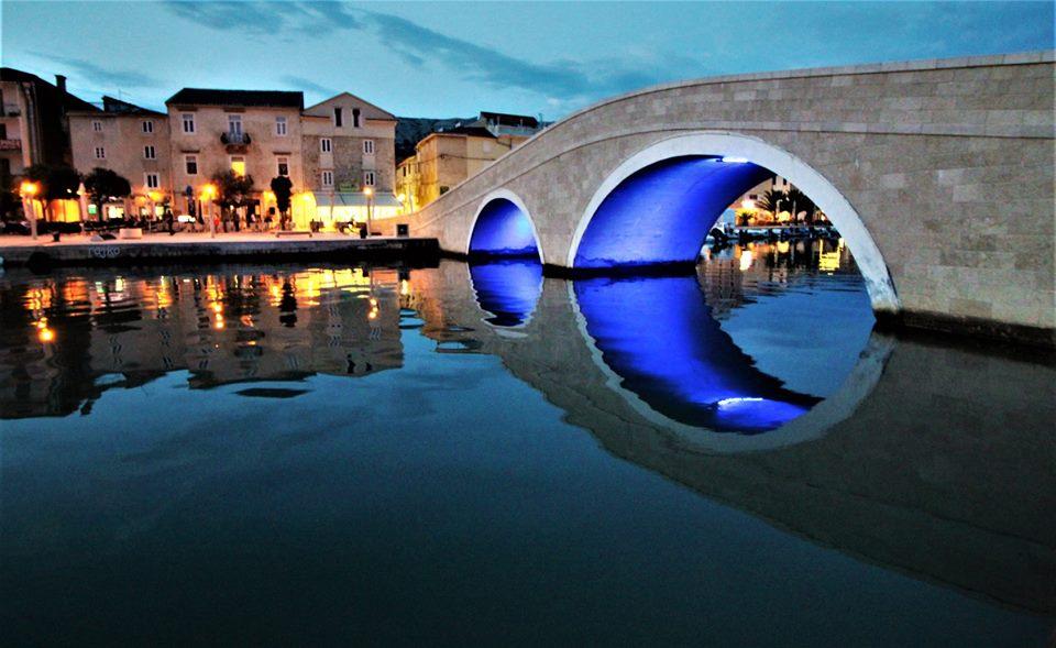Slavni most v mestu Pag