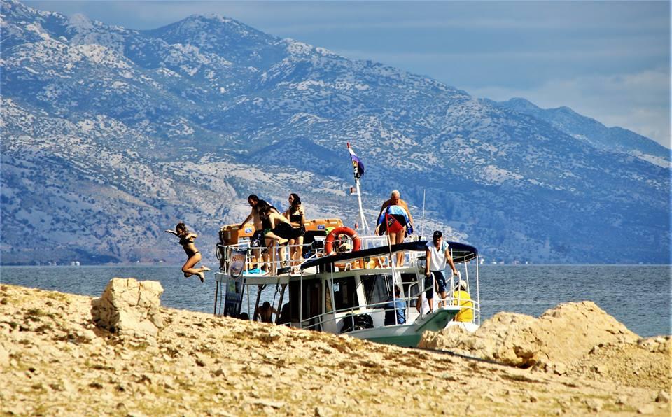 Turistična ladja
