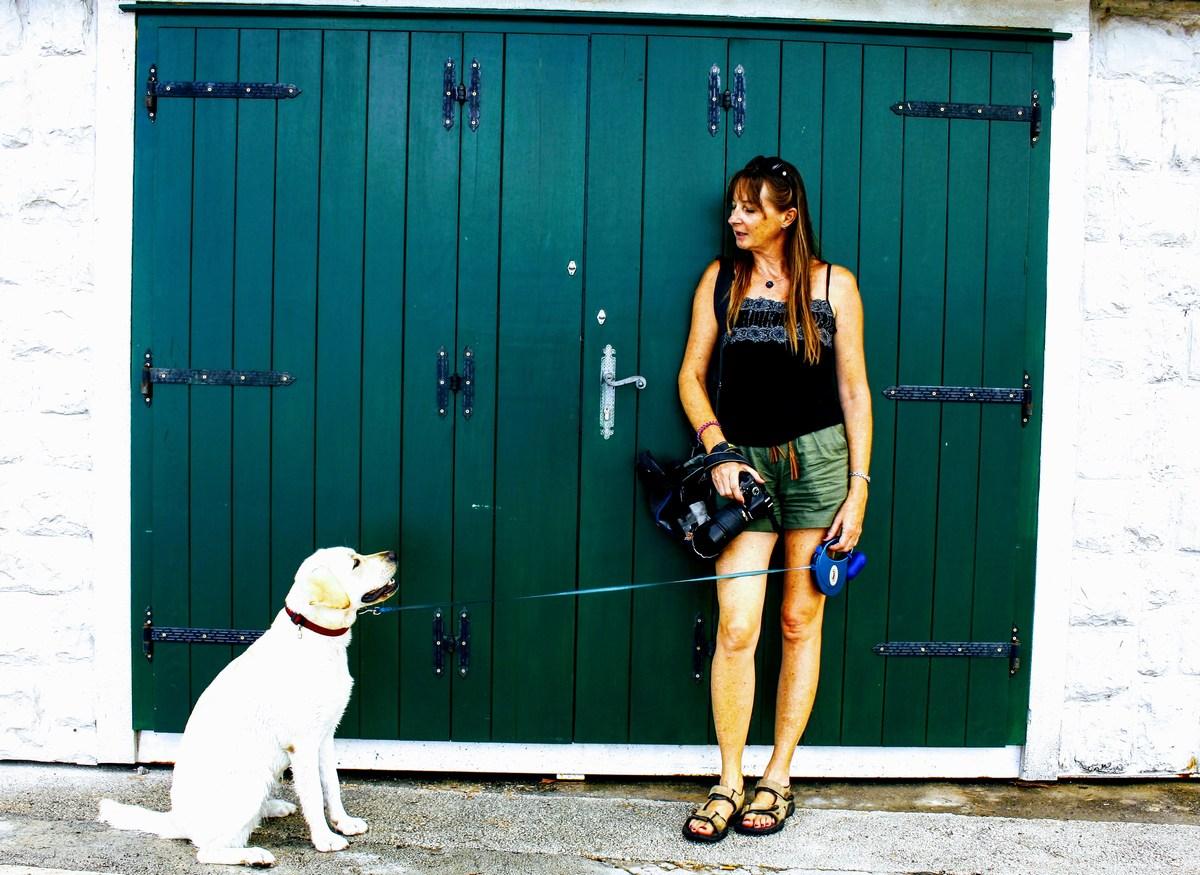Turistka s psom