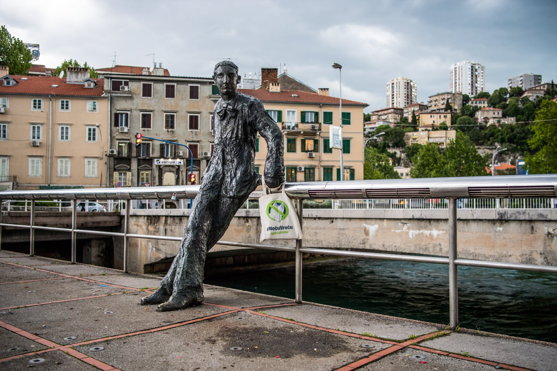Janko Polić Kamov, fotografija David Kurti, Greenpeace
