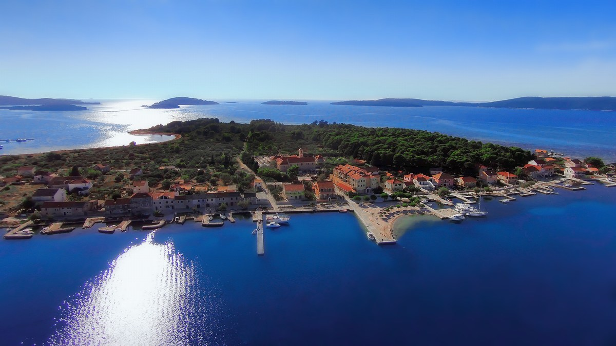 Otok Krapanj iz zraka