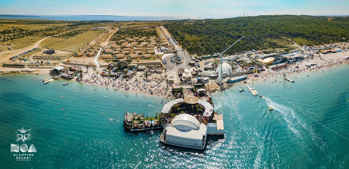 Noa Glamping Resort in plaža