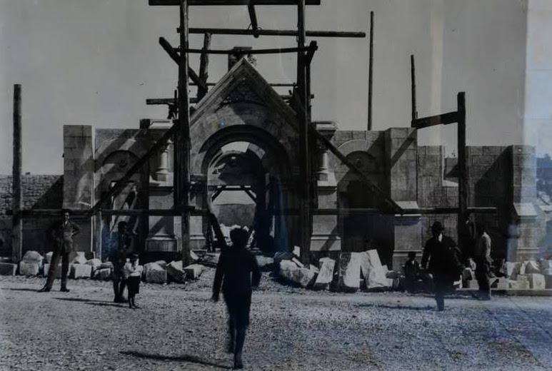 Stara fotografija gradnje cerkve