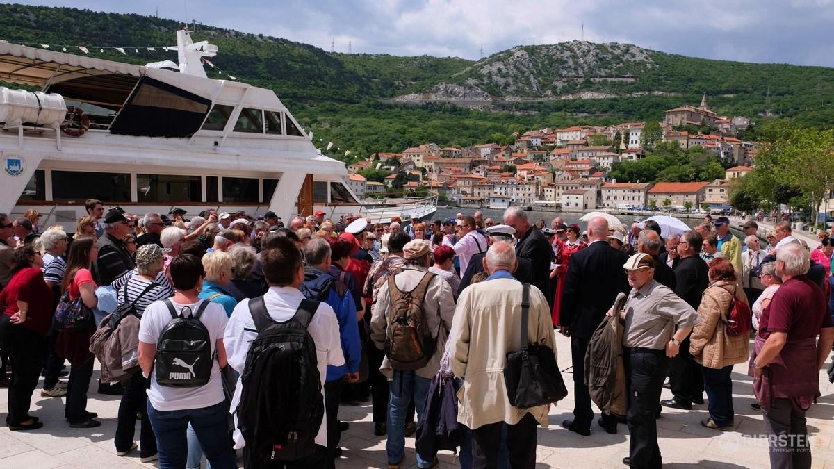 Prihod avstrijskih turistov v luki