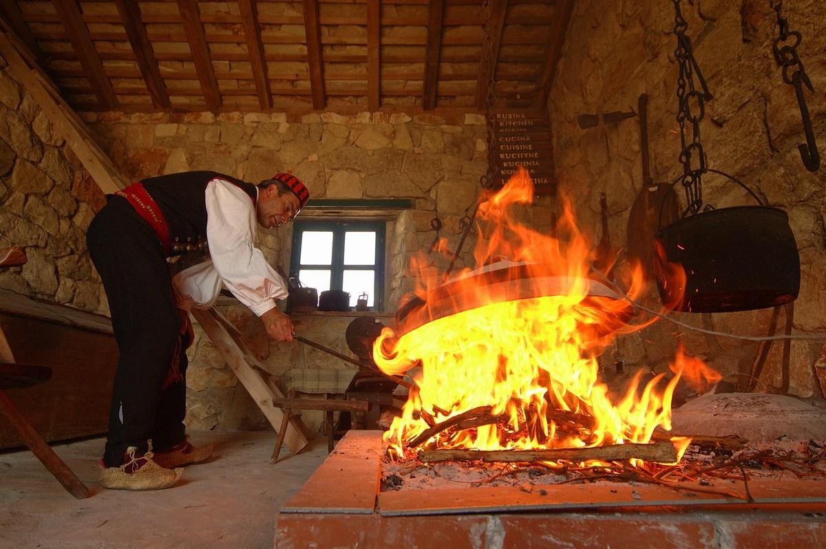 Etnoland Dalmati; spoznajmo dalmatinske običaje
