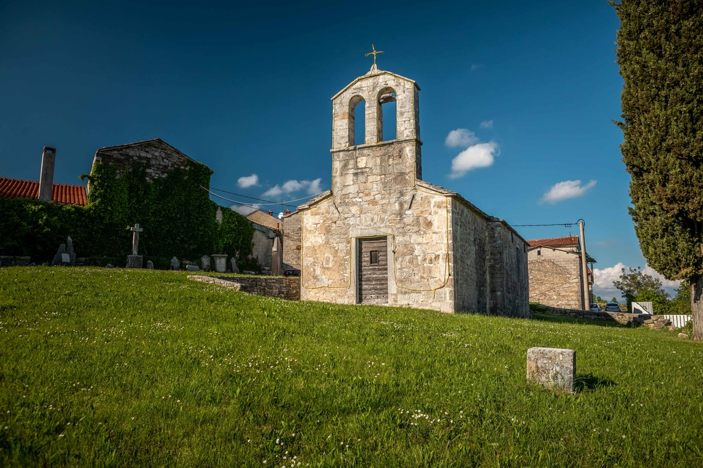 Cerkev svetega Petra in Pavla