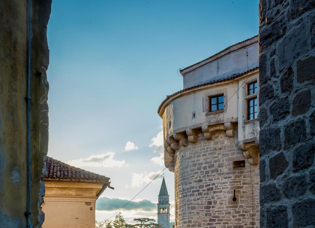 Grad in zvonik