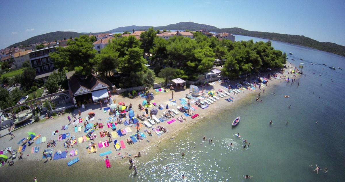 Plaža v Pirovcu