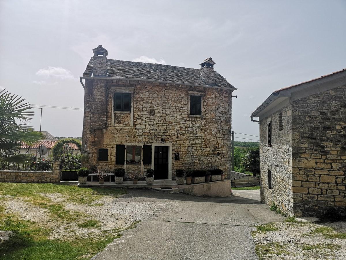 Kanonička kuća