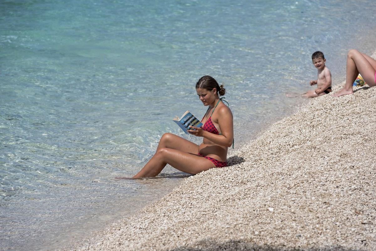 Branje na plaži