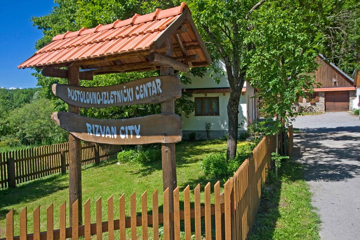 Pustolovsko izletniški center Rizvan City