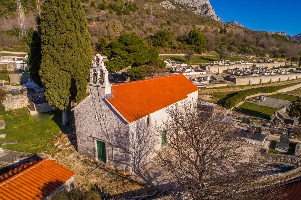 Cerkev sv. Jurja Drvenik