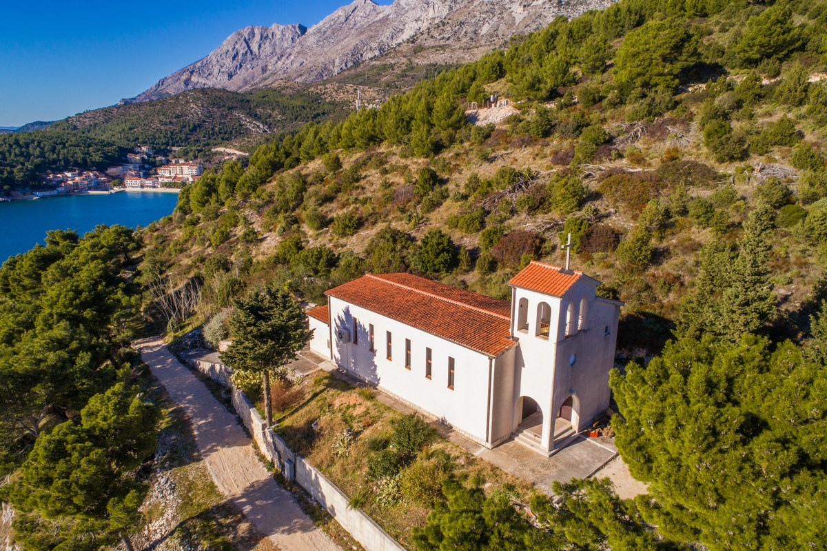 Cerkev sv. Roka Drvenik
