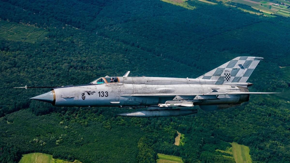 Hrvaško vojaško letalo