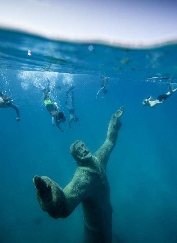 Jezus Kristus v vodi