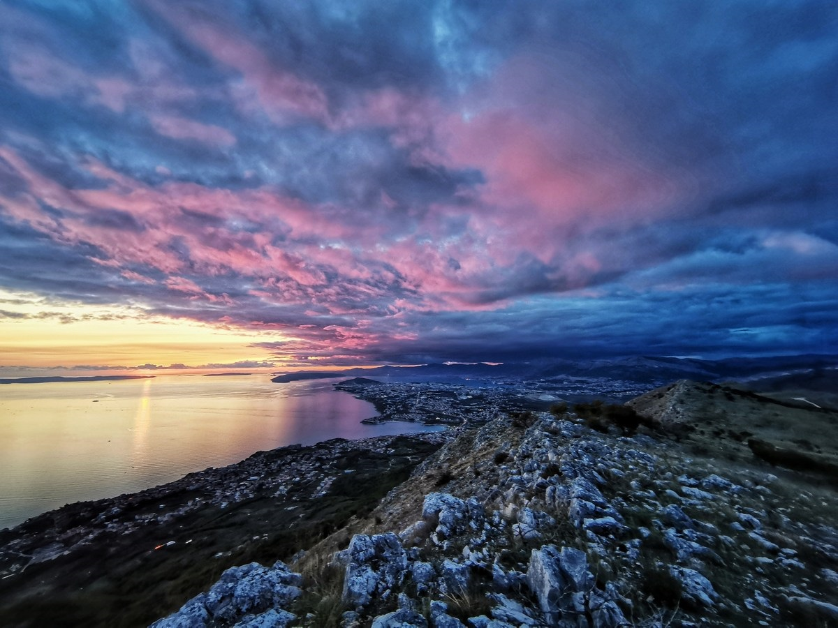 Oblaki nad Splitom