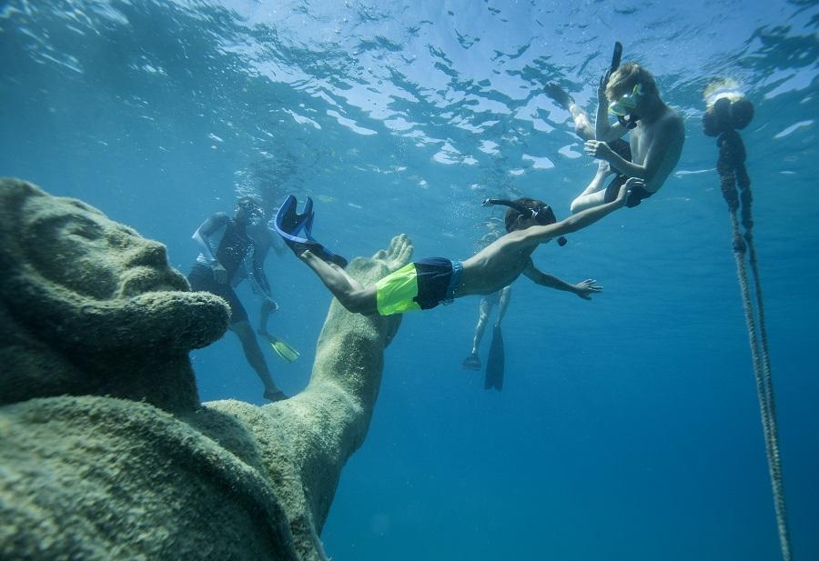 Snorklanje ob kipih