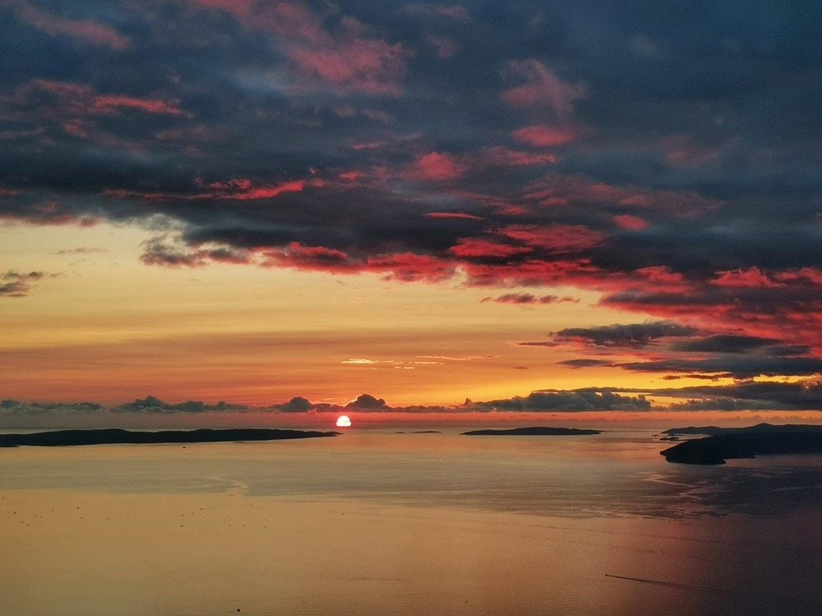 Sonce in otoki