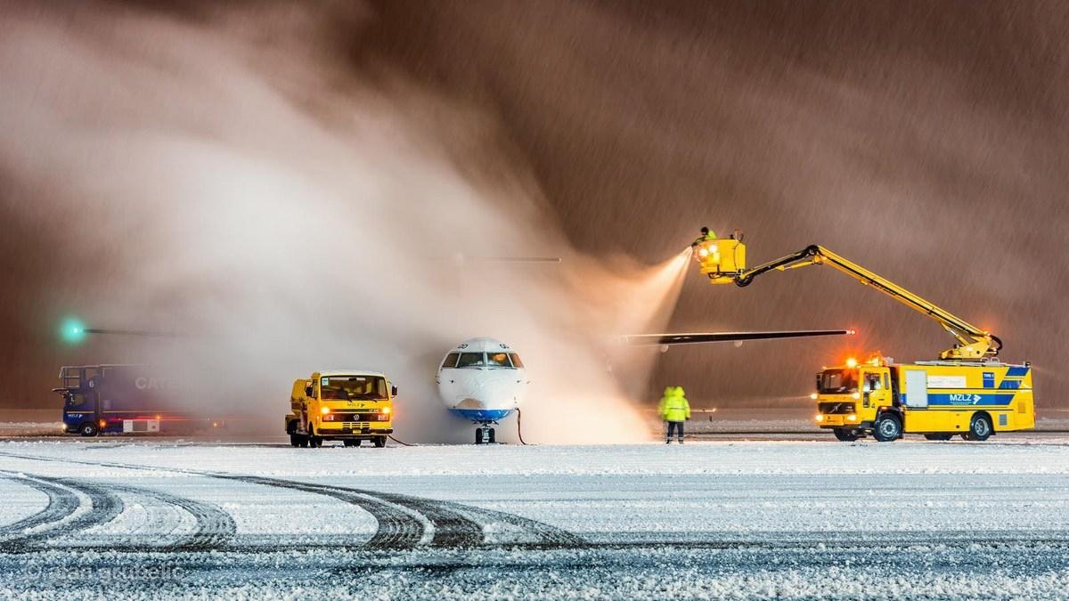 Zima na letališču