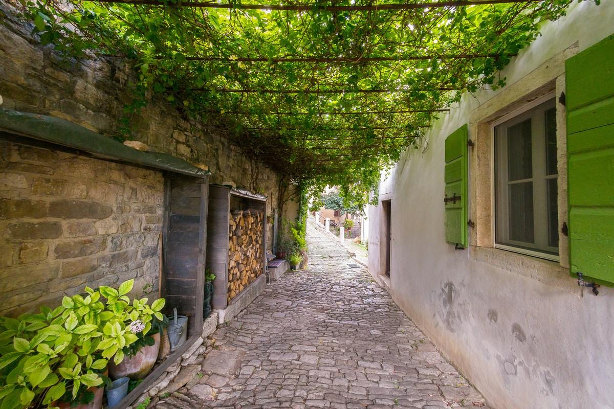 Prekrasan prolaz u ulici Rialto
