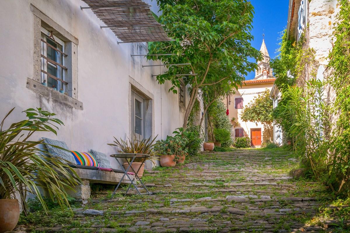 Prekrasna ulica Rialto 1