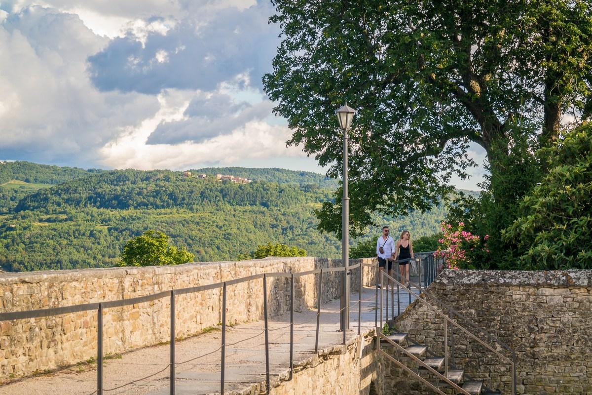 Romantična šetnja motovunskim zidinama