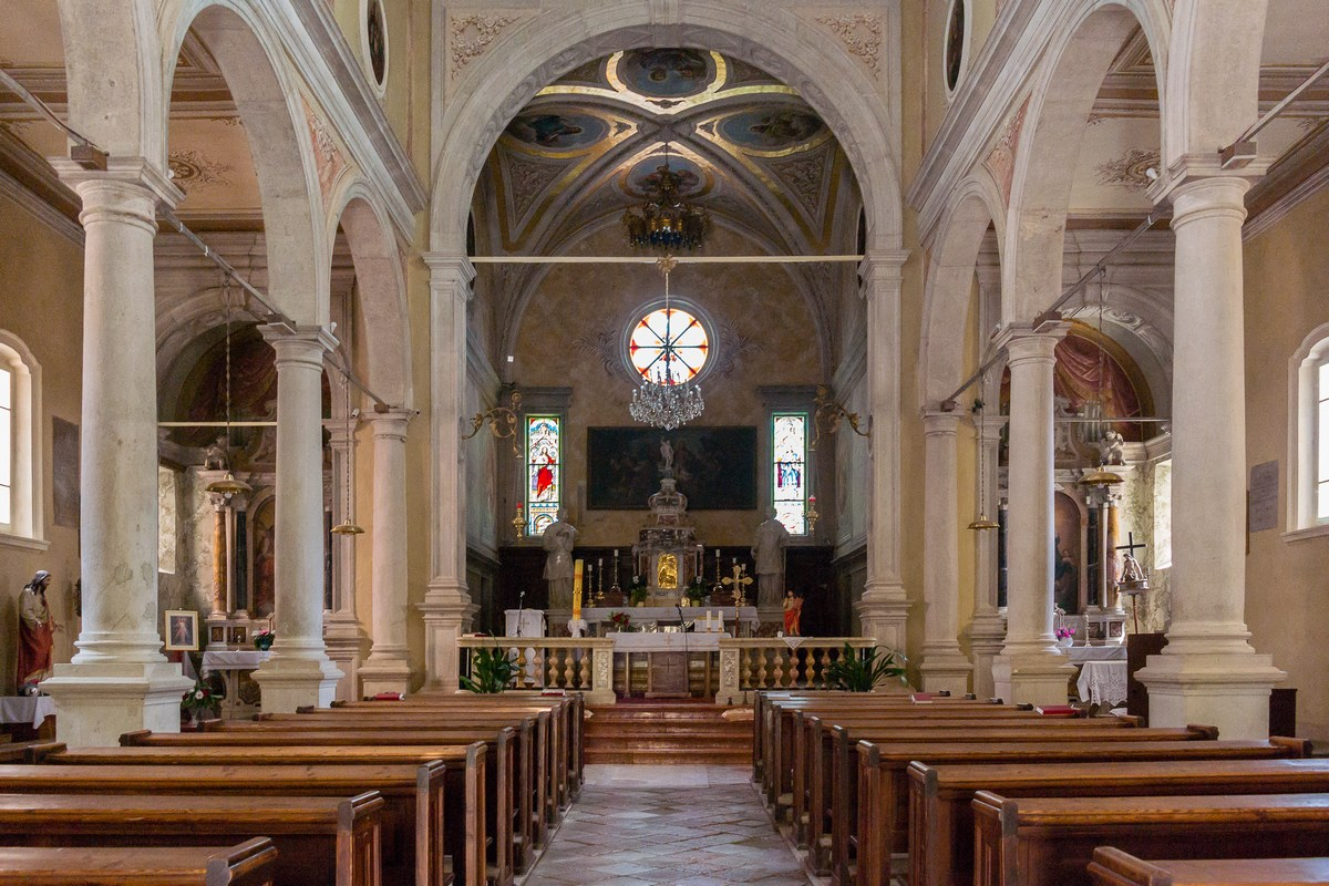 Unutrašnjost crkve Sv. Stjepana