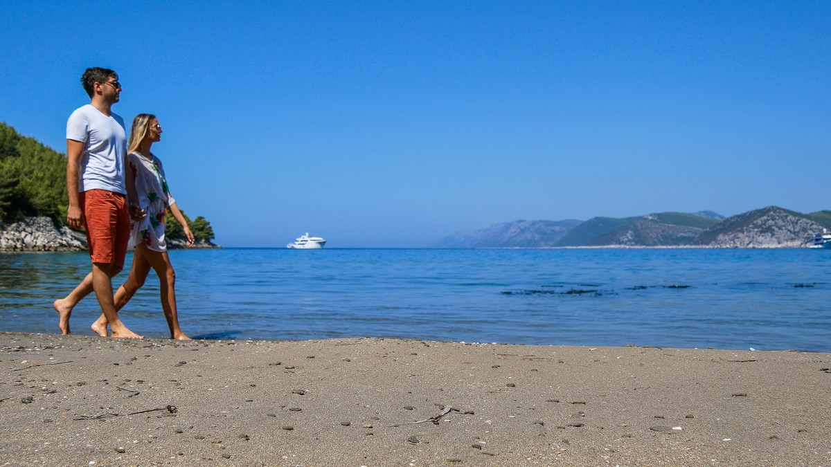 Šetnja skrivenom plažom Pržina -Marčuleti