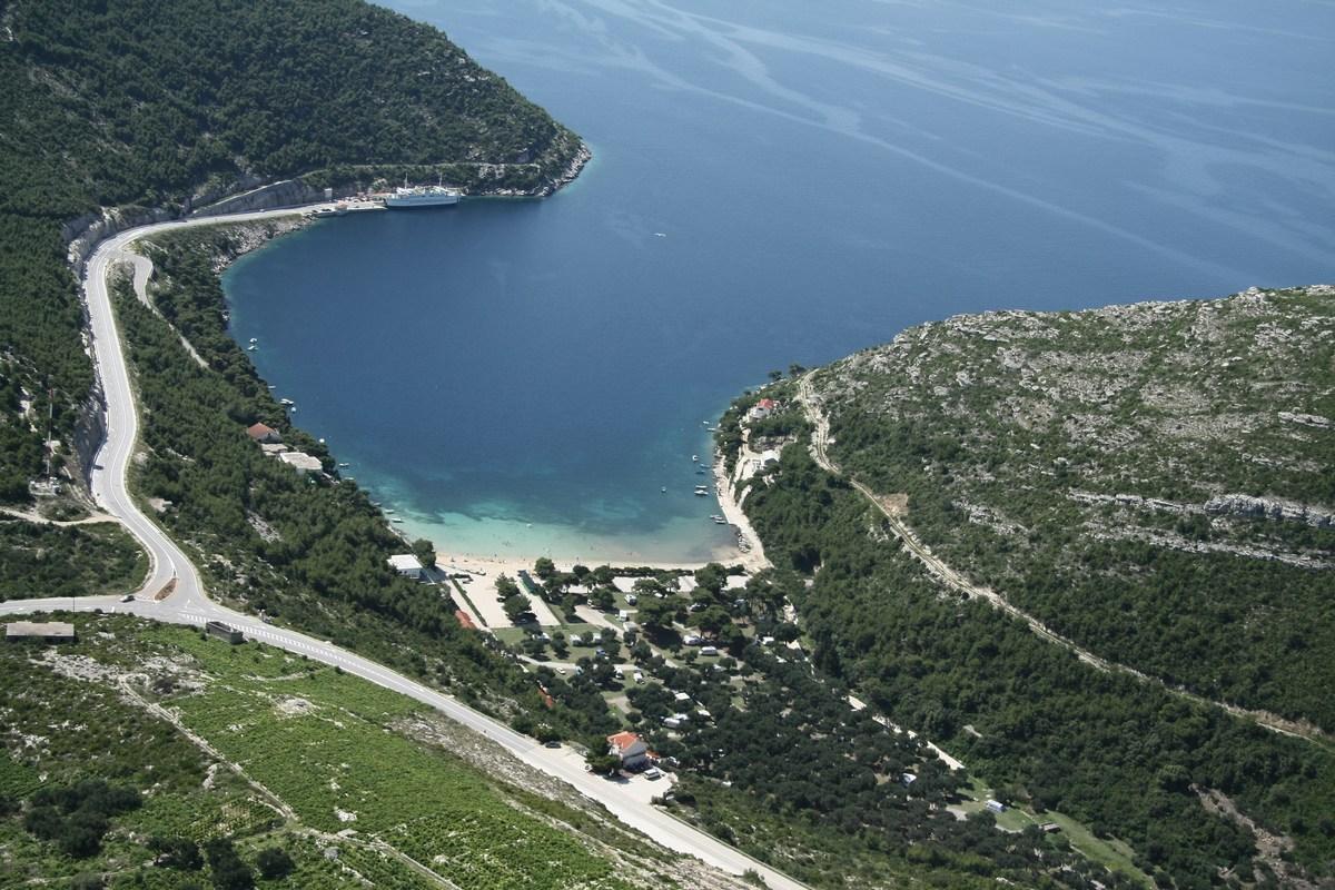 Iz zraka, zaliv Prapratno