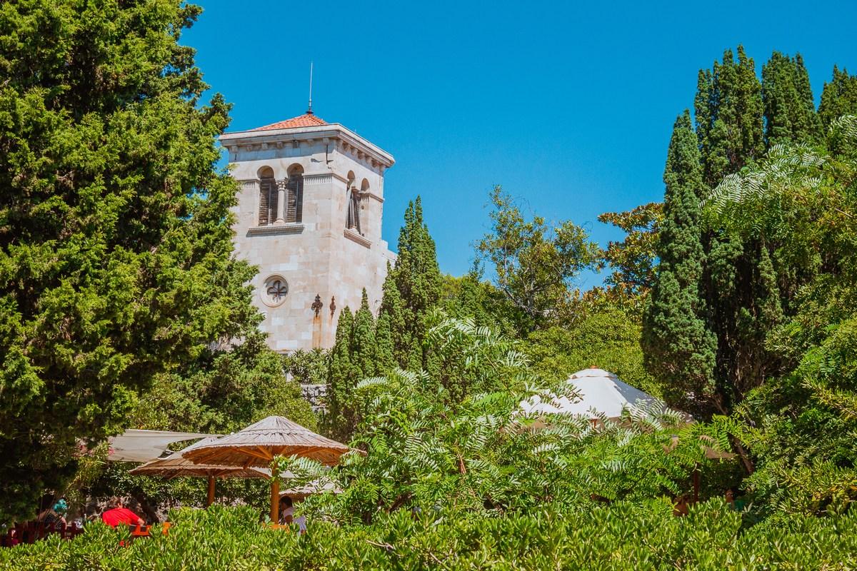 Delček samostana