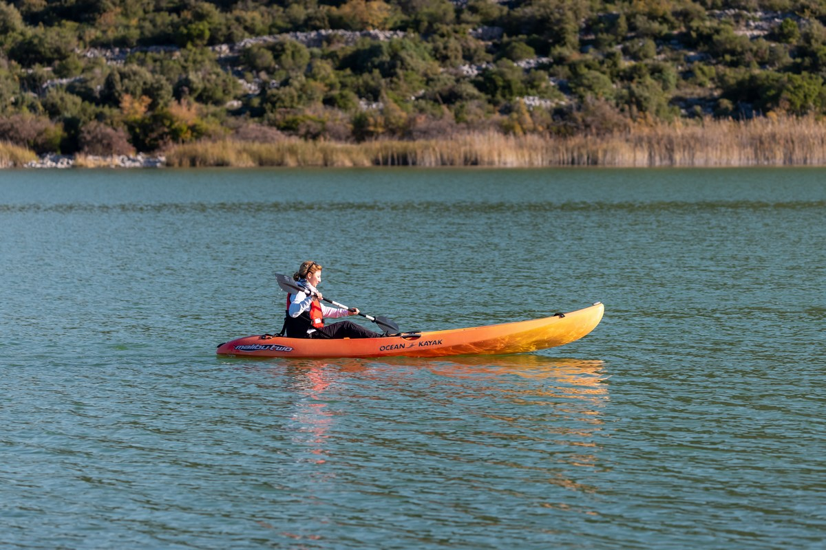 Kajaking po jezeru