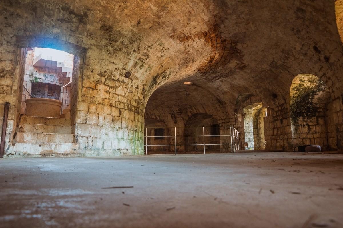 Mogočni zidovi trdnjave