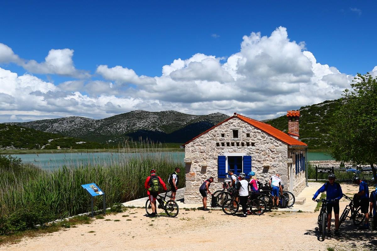 Prosika in kolesarji, foto Iva Rogić
