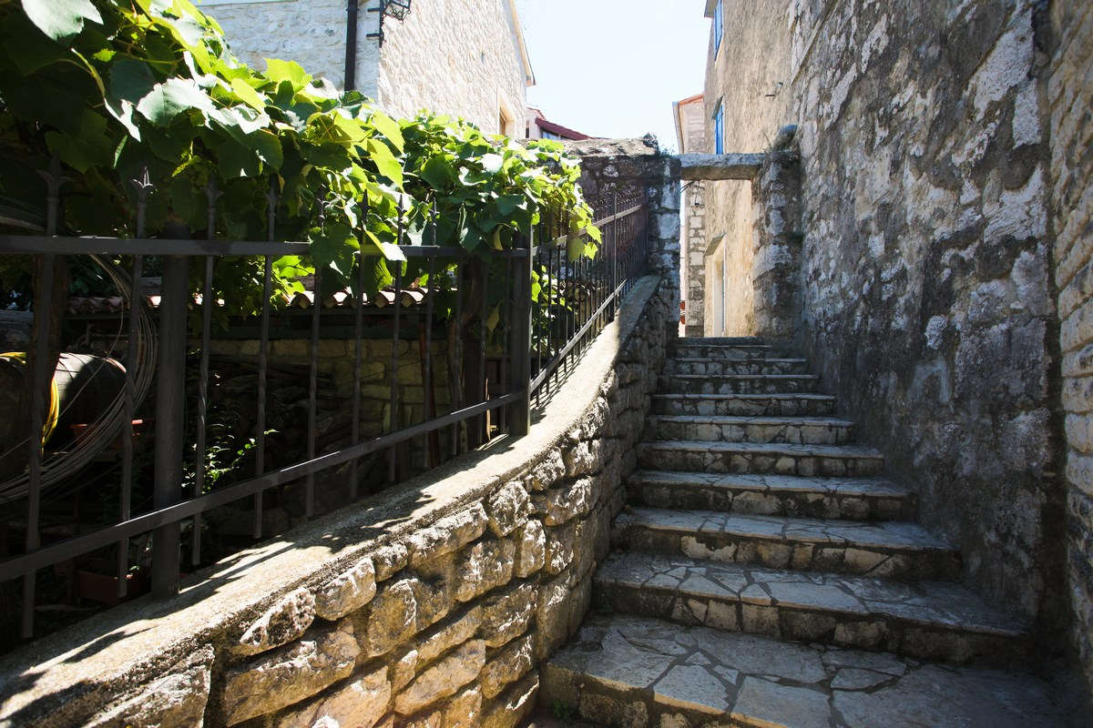 Stopnice v starem Vrsarju