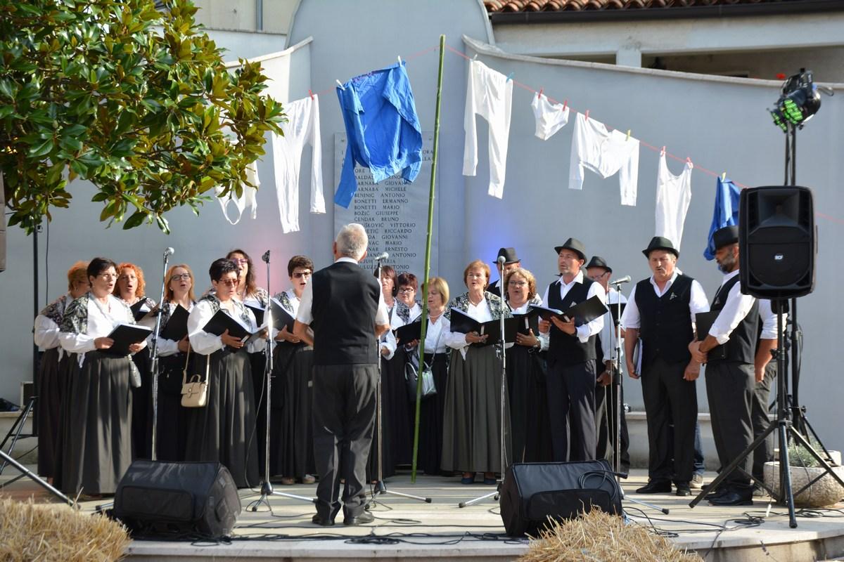 Pevci, zbor
