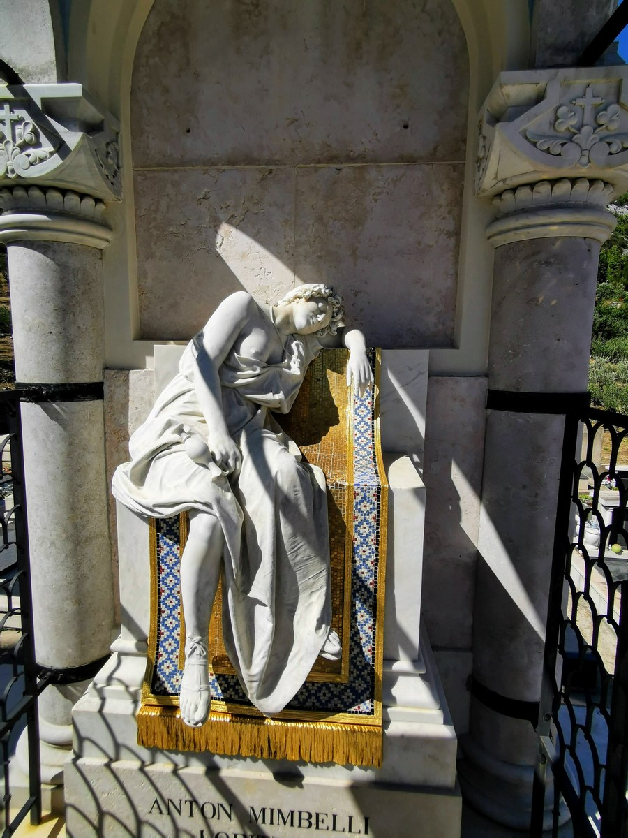 Grobnica kapitana Antona Mimbellija