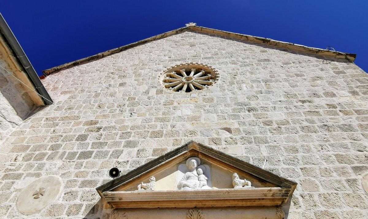 Samostan, detajl