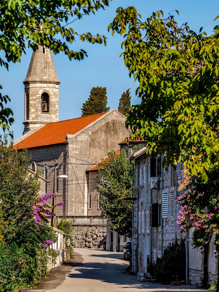 Crkva Sv Petra i Pavla