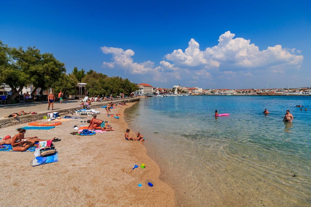 Fotografija Andrija Carli, plaža v Vodicah