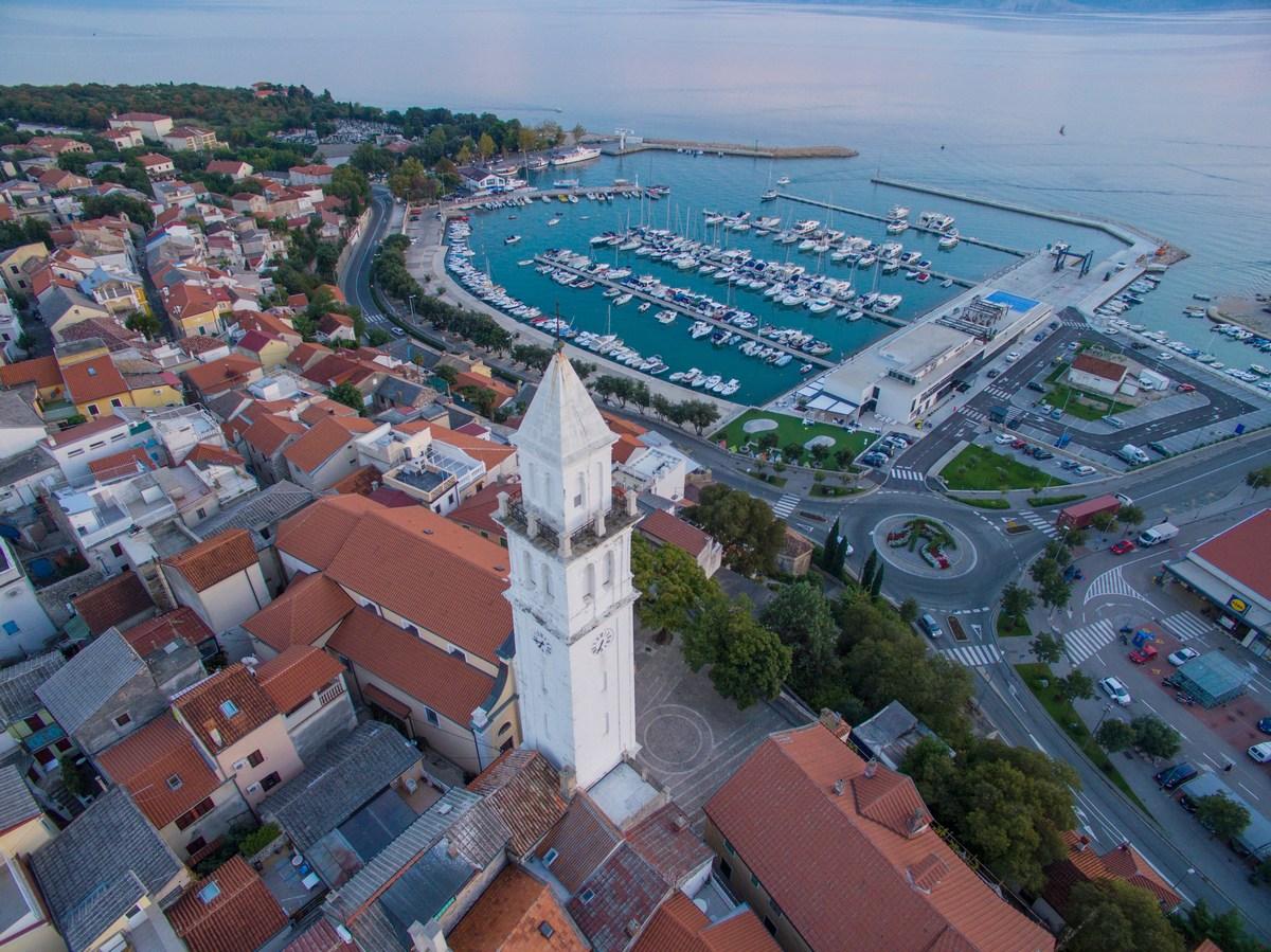 Zvonik in Marina Novi