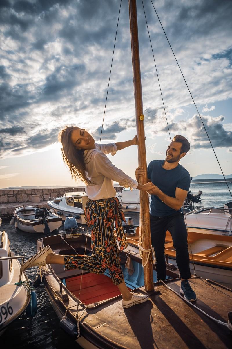 Na čolnu